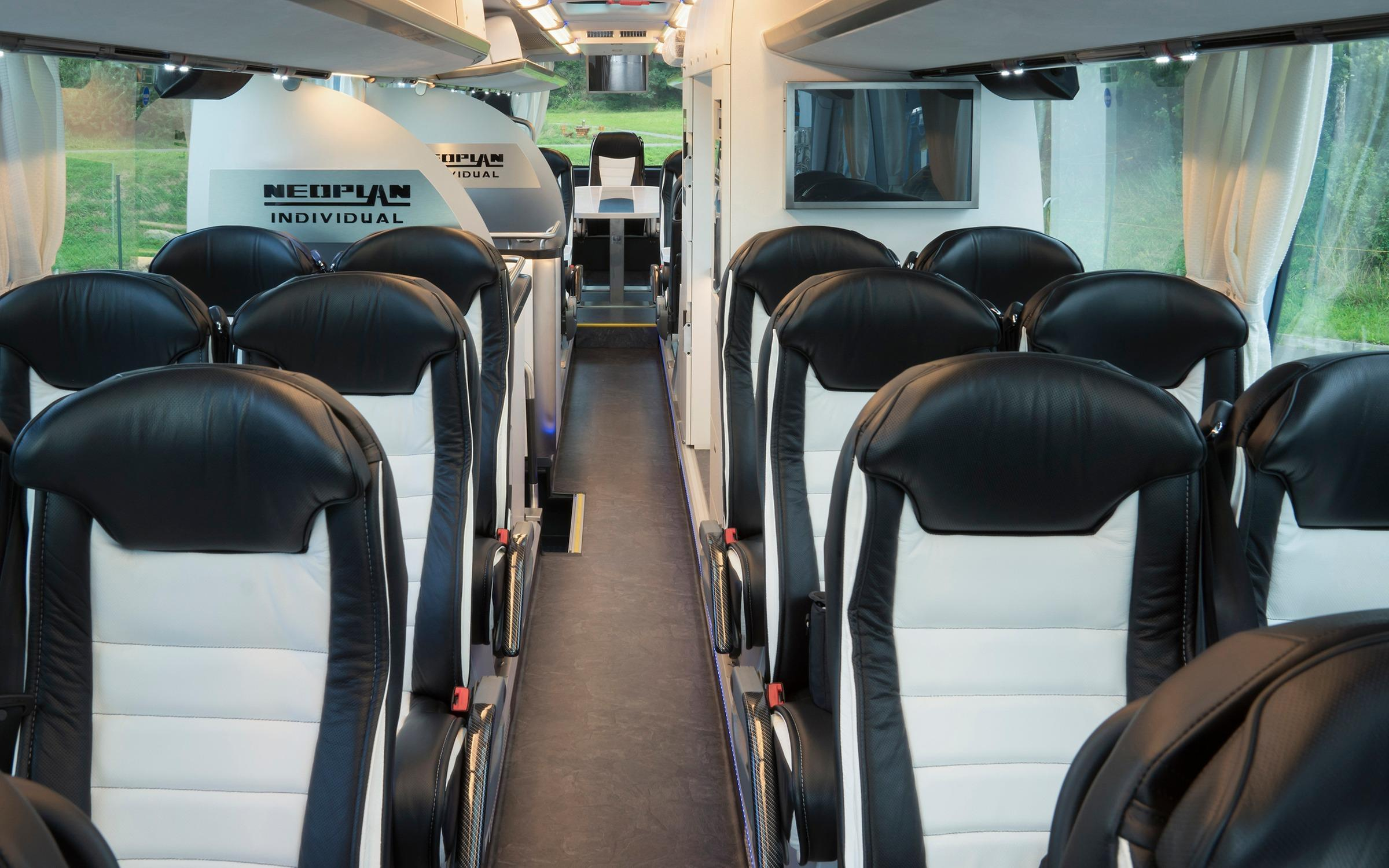 Дизайн автобуса NEOPLAN Skyliner
