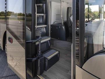 Комфорт автобуса NEOPLAN Skyliner