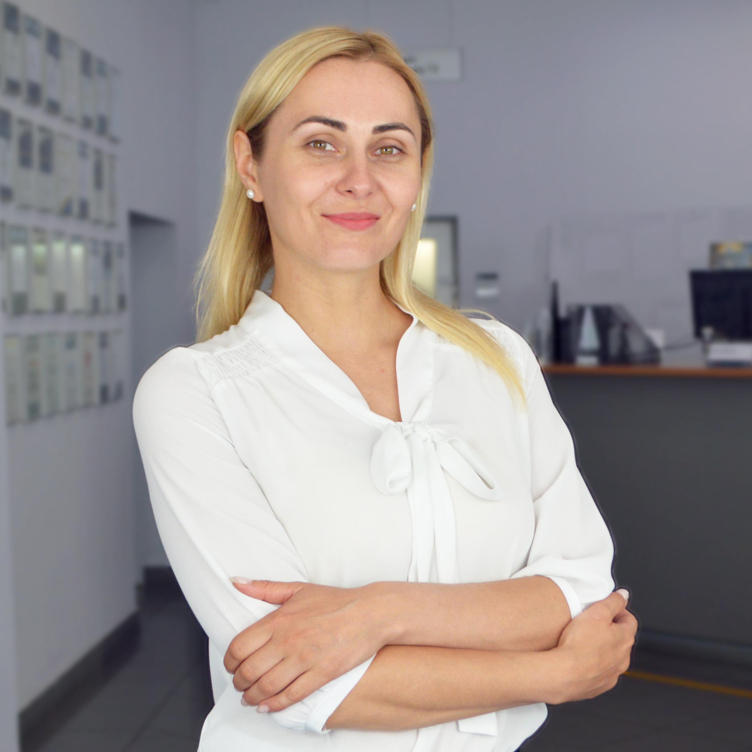 администратор отдела сервиса - Малых Светлана